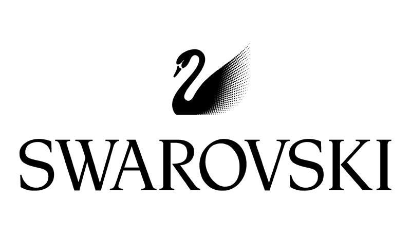 Swarovski Influencer Kampagne beim Swarovski Weihnachtsbaum am Hauptbahnhof Zürich